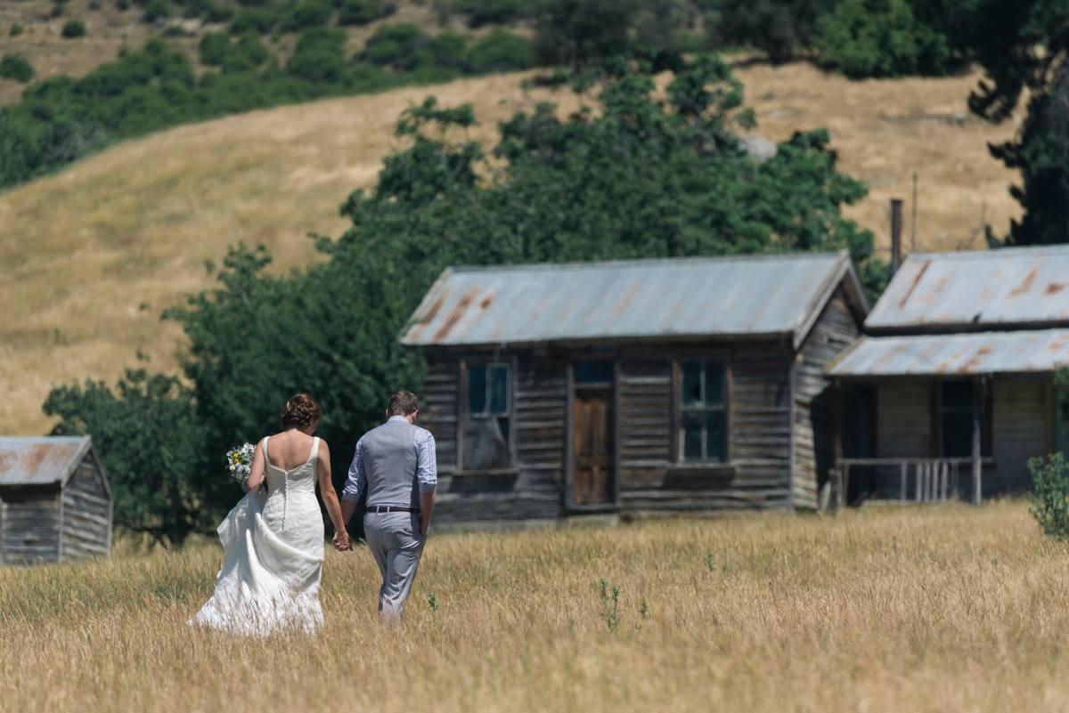 Gibbston Valley Wedding  - Queenstown Wedding Photographer - Rich Bayley Photography